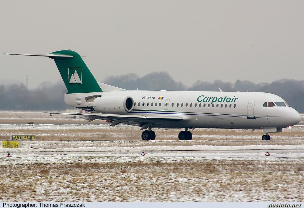 Fokker 70 (YR-KMA) van Carpatair