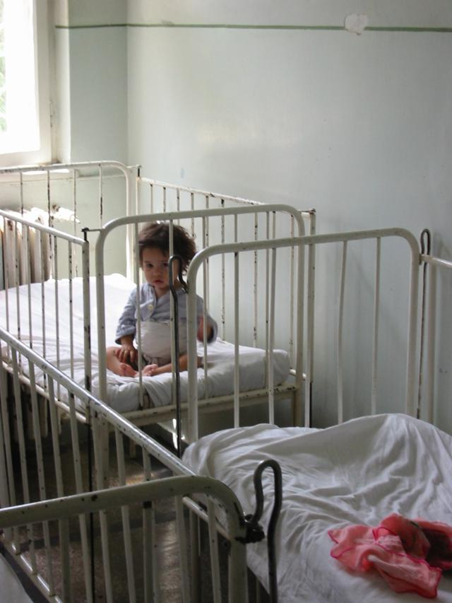 1500 babys achtergelaten in 2012 - Roemenie
