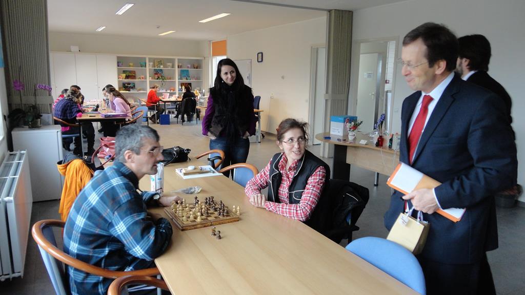 Multifunctioneel centrum Bacau - bezoek ambassadeur van Bonzel