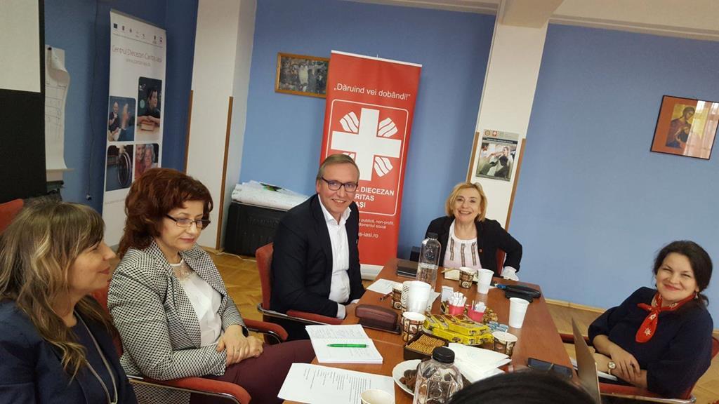 vergadering van Federatie van niet-gouvernementele organisaties voor sociale dienstverlening in Roemenië (FONSS)