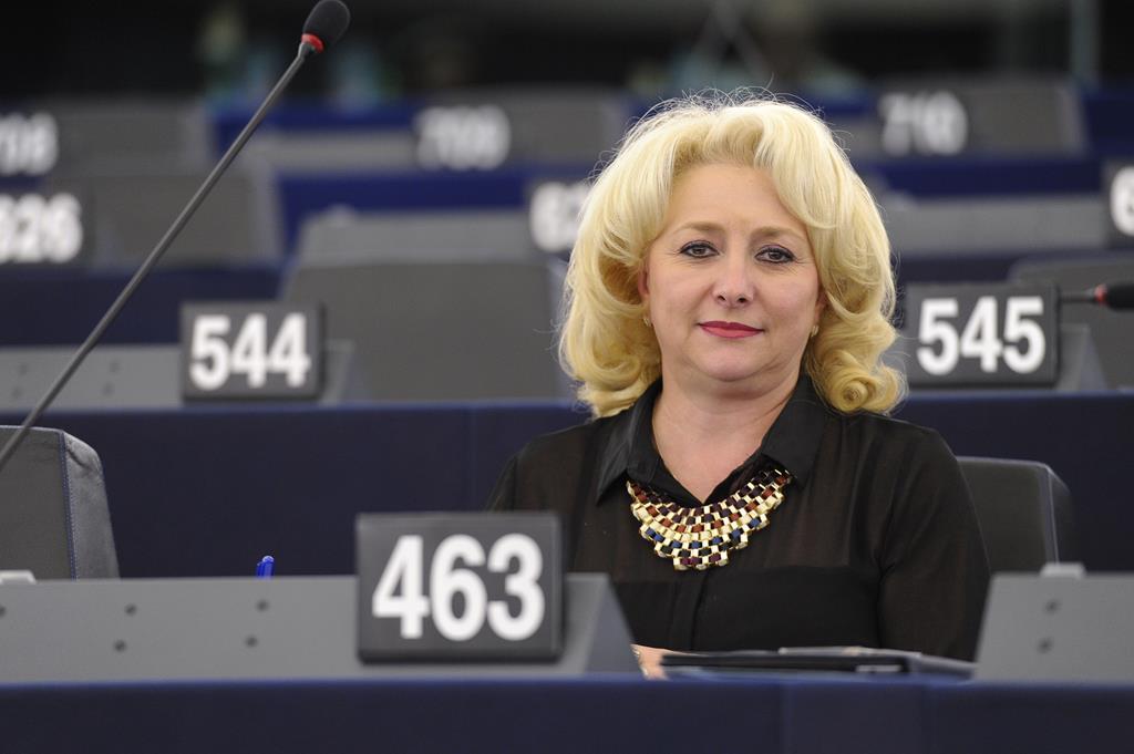Viorica Dancila eerste vrouwelijke premier Roemenie